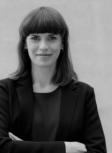Dr. Claudia Hövener